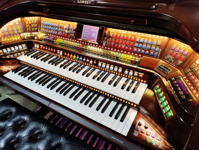 Prestige A5000 Organ 11