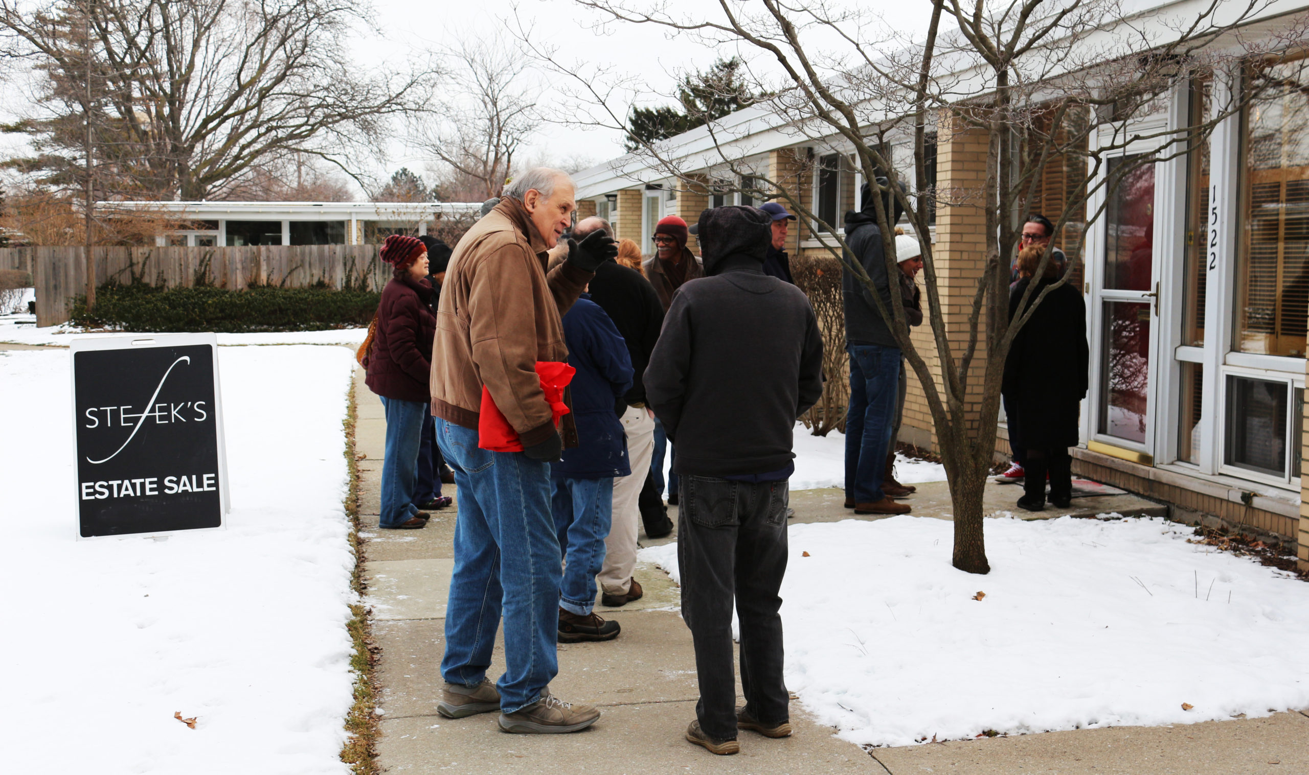 Group of customers lined up outside of a Stefek's Estate Sale