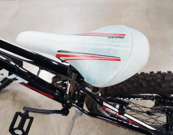 Giant - Revel 3 21-Speed Trail Bike